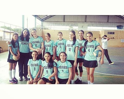 Voleibol feminino consagra campeãs do JEMG 2015