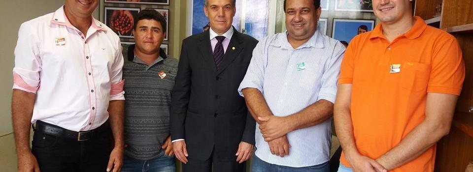 Prefeito Ronaldo Verdadeiro esteve em audiência com o Deputado Federal Zé Silva encaminhado demandas do Munícipio.