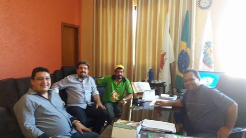 Prefeito Ronaldo Verdadeiro apoia a construção do Hospital do Câncer em Unaí.