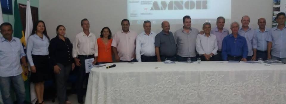 Prefeito participa da Assembleia da AMNOR em Paracatu.