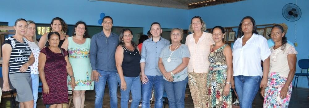 Secretaria de Cultura leva as fiandeiras e artesãs para a reinauguração do Ponto de Cultura da FIOAÇÃO em Natalândia.