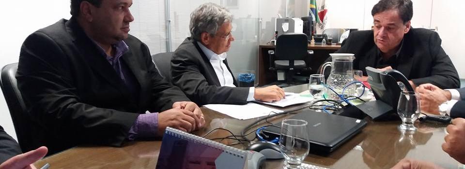 Prefeito leva demandas de nosso município na Secretária de Saúde em Belo Horizonte.