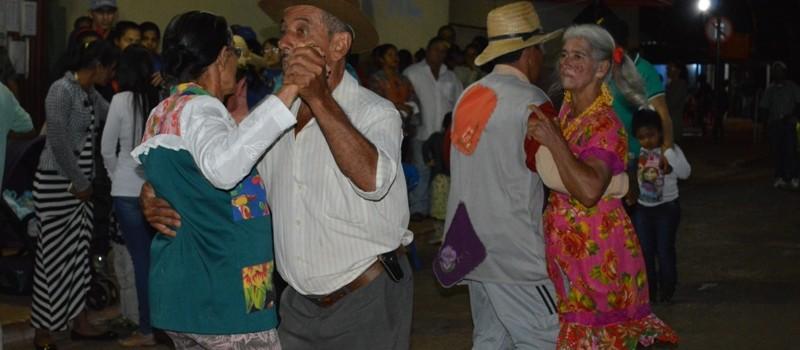Secretarias Municipais de Assistência Social e Esporte e Lazer realiza a Festa Junina da Melhor Idade.