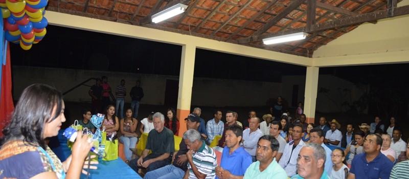 Escola Municipal Floriano Peixoto comemora Dia dos Pais no Distrito do Cercado.
