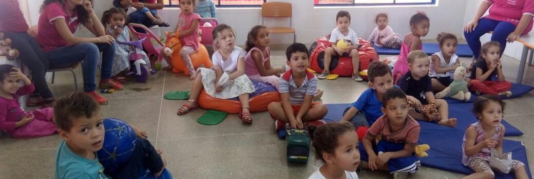 A Secretaria Municipal de Educação comemora o Dia do Estudante.