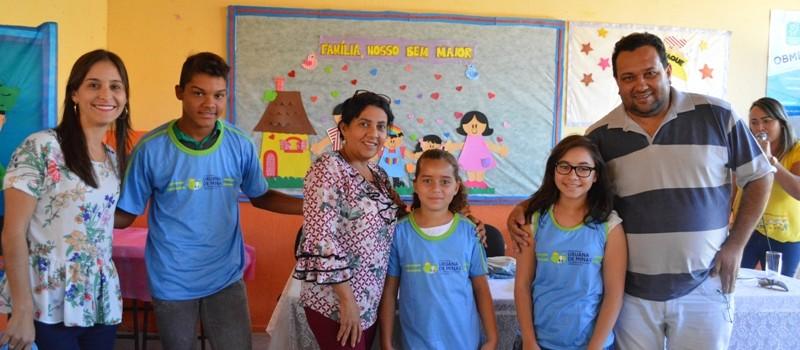 A Administração Municipal realiza entrega de uniformes escolares para rede municipal de ensino.
