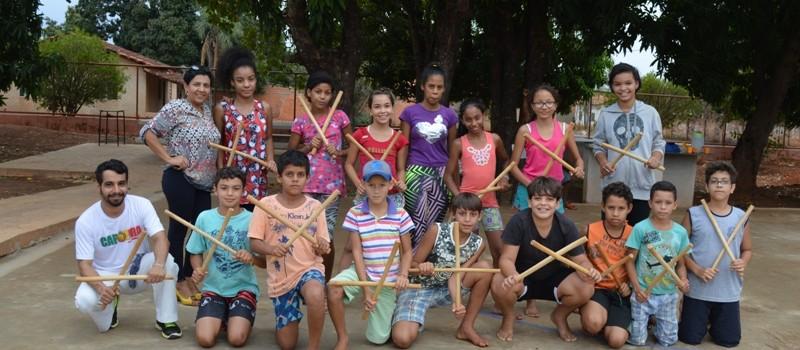 A Secretaria de Assistência Social, realiza Projeto Capoeira na Roda da Vida.