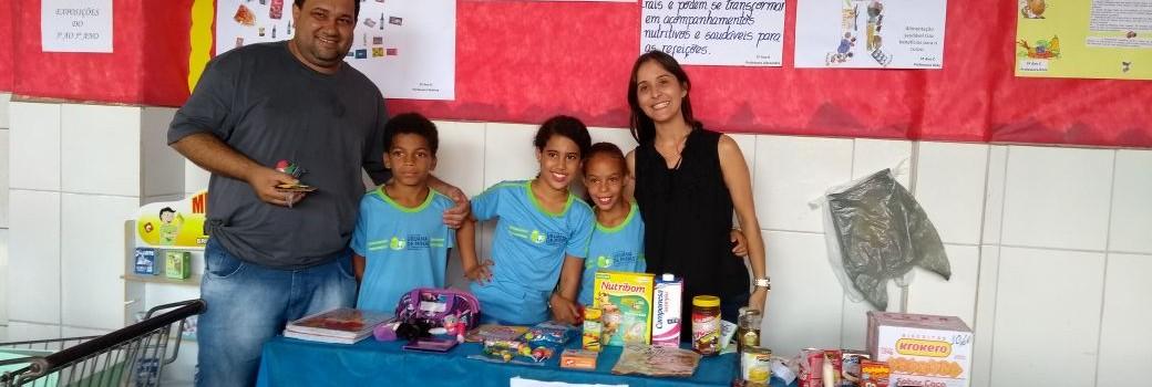 Prefeito participa da 1° Feira de Ciências, na Escola Municipal Gustavo Capanema.