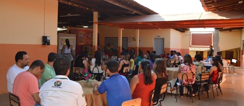 Administração Municipal realiza homenagem do Dia dos Professores.