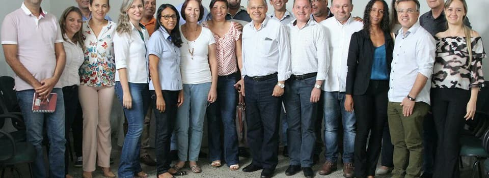 Prefeito Municipal e o Secretário Municipal de Saúde participaram de uma reunião na CONVALES.