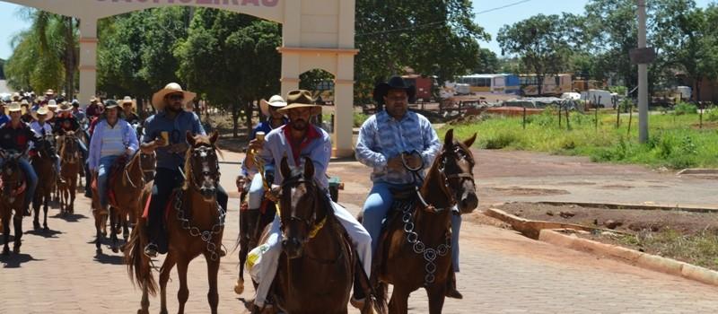 Cavalgada da Festa de Aniversário de Uruana de Minas 2018.