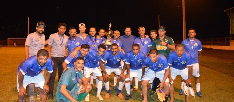 Uruana de Minas participa do Campeonato Regional dos Veteranos, em Urucuia e traz troféu de 2º lugar.