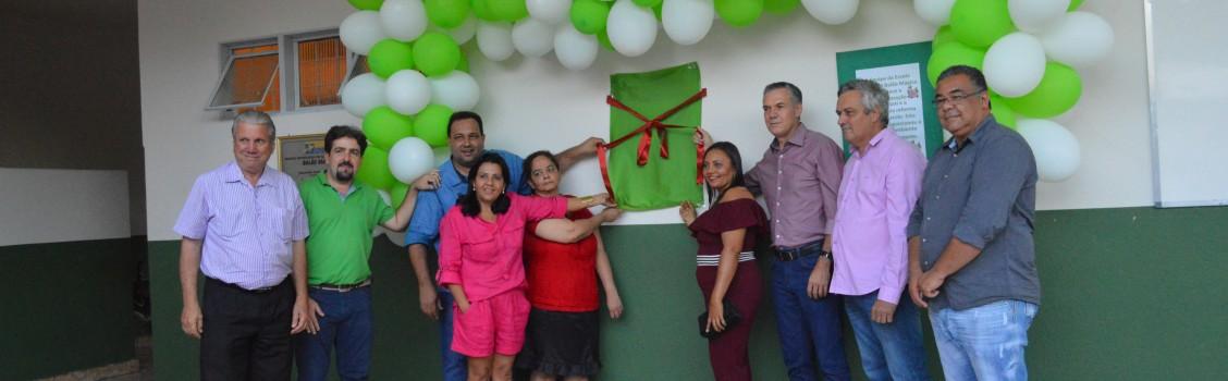 Prefeito Municipal realiza solenidades na reinauguração de duas instituições educacionais.