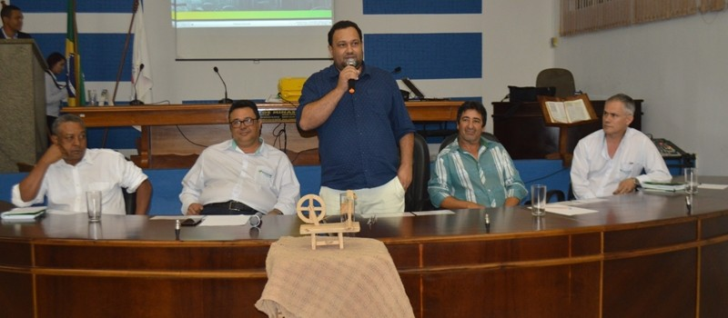 Reunião do Sistema de Cooperativas de Crédito do Brasil (SICOOB), em Uruana de Minas.
