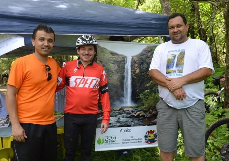 Encontro de Ciclista na Cachoeira da Jiboia.